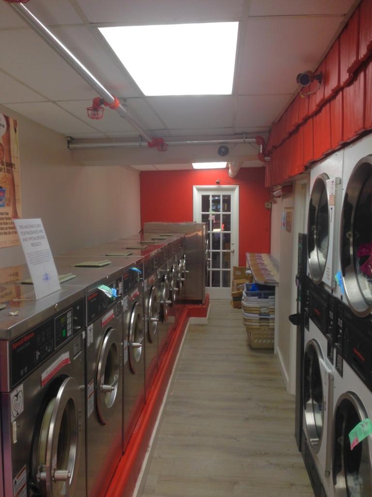Laundromat pleasure